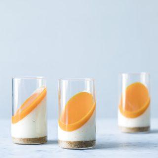 Dessertglas med kernemælk og havtorn