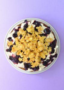 cereal milk kage med blåbær